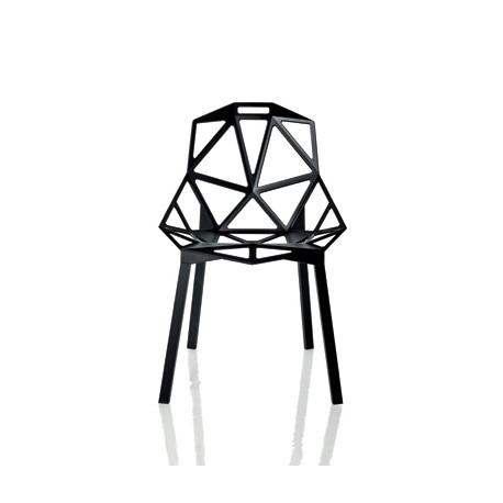 Chaise One empilable, Magis noir, pieds noir