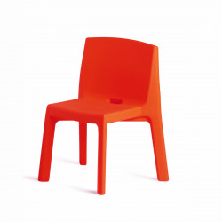 Chaise Q4, Slide design rouge