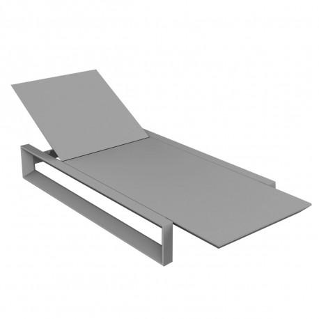 Chaise longue Frame argent mat, avec coussin tissu Silvertex, Vondom