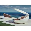 Bain de soleil coquille avec parasol Ulm Daybed, Vondom, coussin Silvertex taupe, 210x200xH97cm
