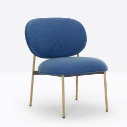 Petit fauteuil design confortable, Blume 2951, Pedrali, tissu Jaali Kvadrat, bleu, structure laiton, 63x63xH76,5 cm